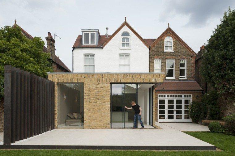 Extension maison avec baie vitrée à galandage